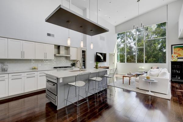 Agent 1600 barton springs 6406 kitchen to living angle best