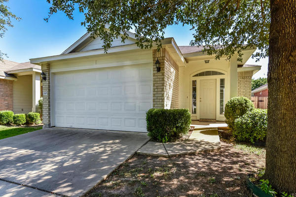 Agent 11609 raymond c ewry ln mls size 001 3 exterior front 01 1024x768 72dpi