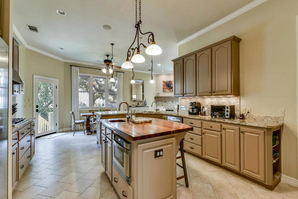 Agent 1625 churchwood cove mls size 010 9 kitchen and breakfast 02 1024x768 72dpi